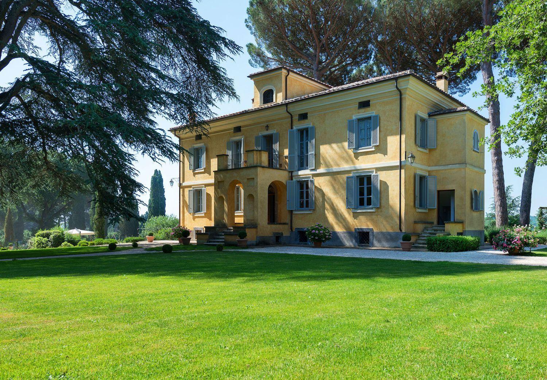 Soluzione Indipendente in affitto a Capranica, 5 locali, prezzo € 12.500 | CambioCasa.it