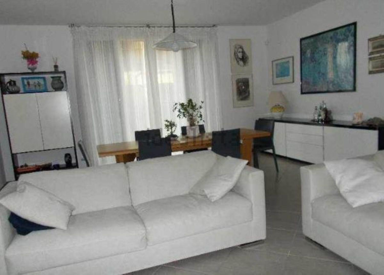 Soluzione Indipendente in vendita a Montecchio Emilia, 10 locali, prezzo € 390.000 | Cambio Casa.it