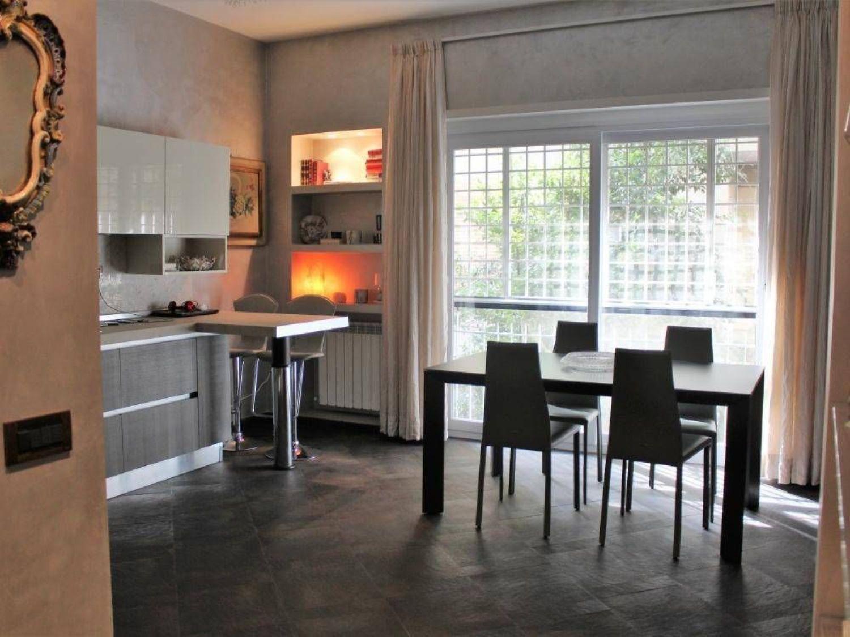Appartamento in vendita a Roma, 4 locali, prezzo € 329.000   CambioCasa.it