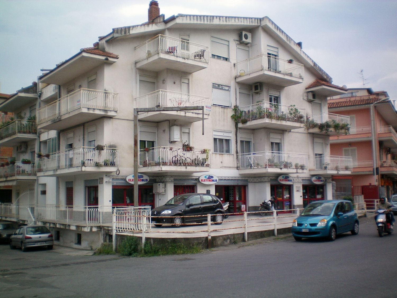 Appartamento in vendita a Giardini-Naxos, 3 locali, prezzo € 83.000 | Cambio Casa.it