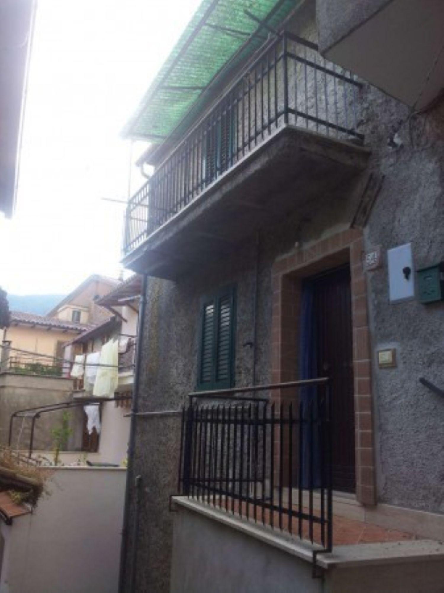 Appartamento in vendita a Agosta, 3 locali, prezzo € 58.000 | CambioCasa.it