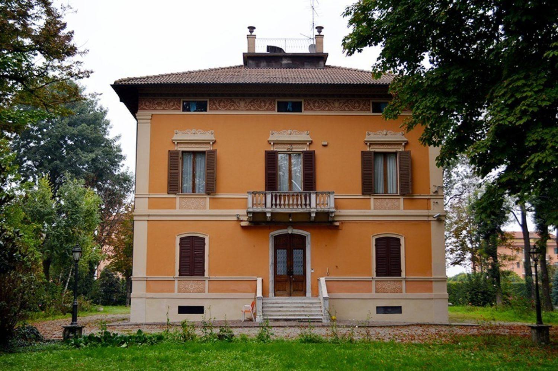 Soluzione Indipendente in vendita a Reggio Emilia, 15 locali, prezzo € 1.000.000 | Cambio Casa.it