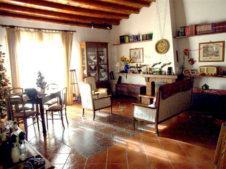Appartamento in vendita a Termini Imerese, 7 locali, prezzo € 175.000 | Cambio Casa.it