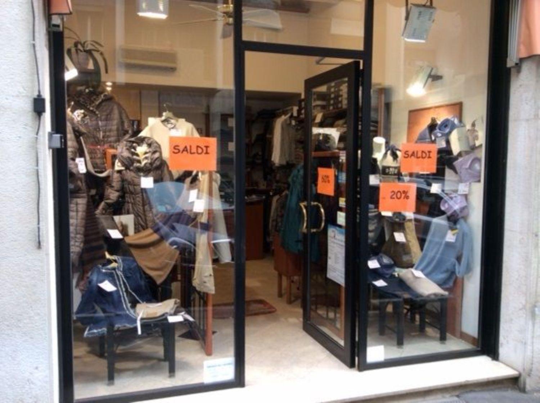 Immobile Commerciale in affitto a Trieste, 9999 locali, prezzo € 650 | CambioCasa.it