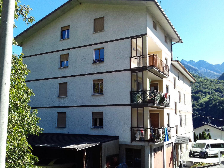 Appartamento in vendita a Chiuro, 7 locali, prezzo € 155.000 | CambioCasa.it