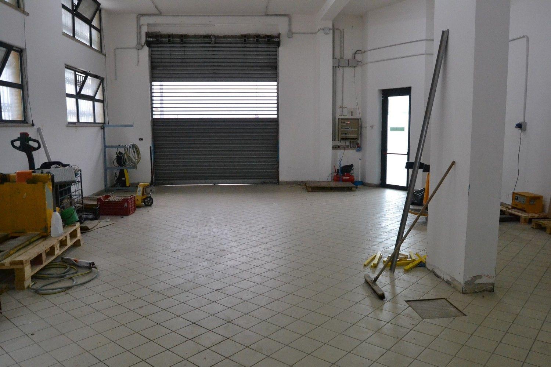 Immobile Commerciale in affitto a San Giorgio del Sannio, 9999 locali, prezzo € 700 | CambioCasa.it