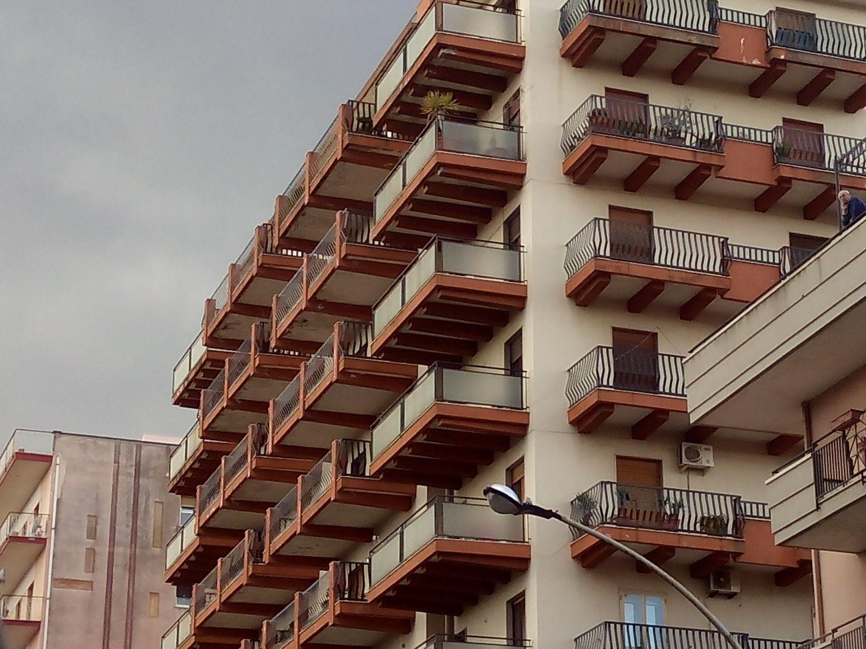 Appartamento in affitto a Acireale, 5 locali, prezzo € 650 | Cambio Casa.it