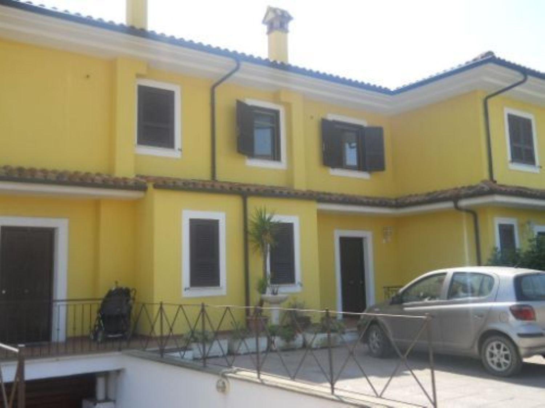 Villa a Schiera in Affitto a Cerveteri