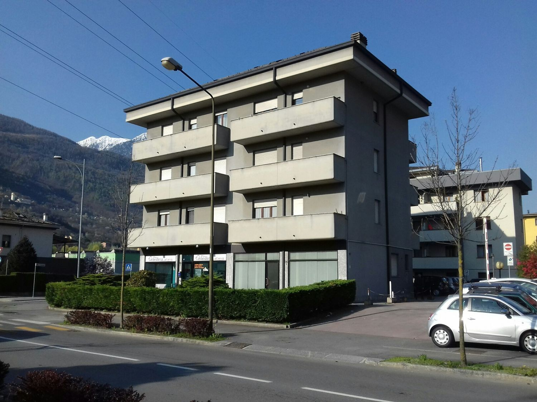 Immobile Commerciale in Affitto a Sondrio