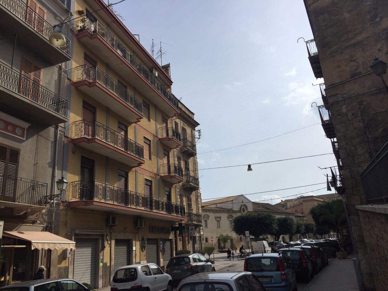 Appartamento in vendita a Licata, 6 locali, prezzo € 190.000 | Cambio Casa.it