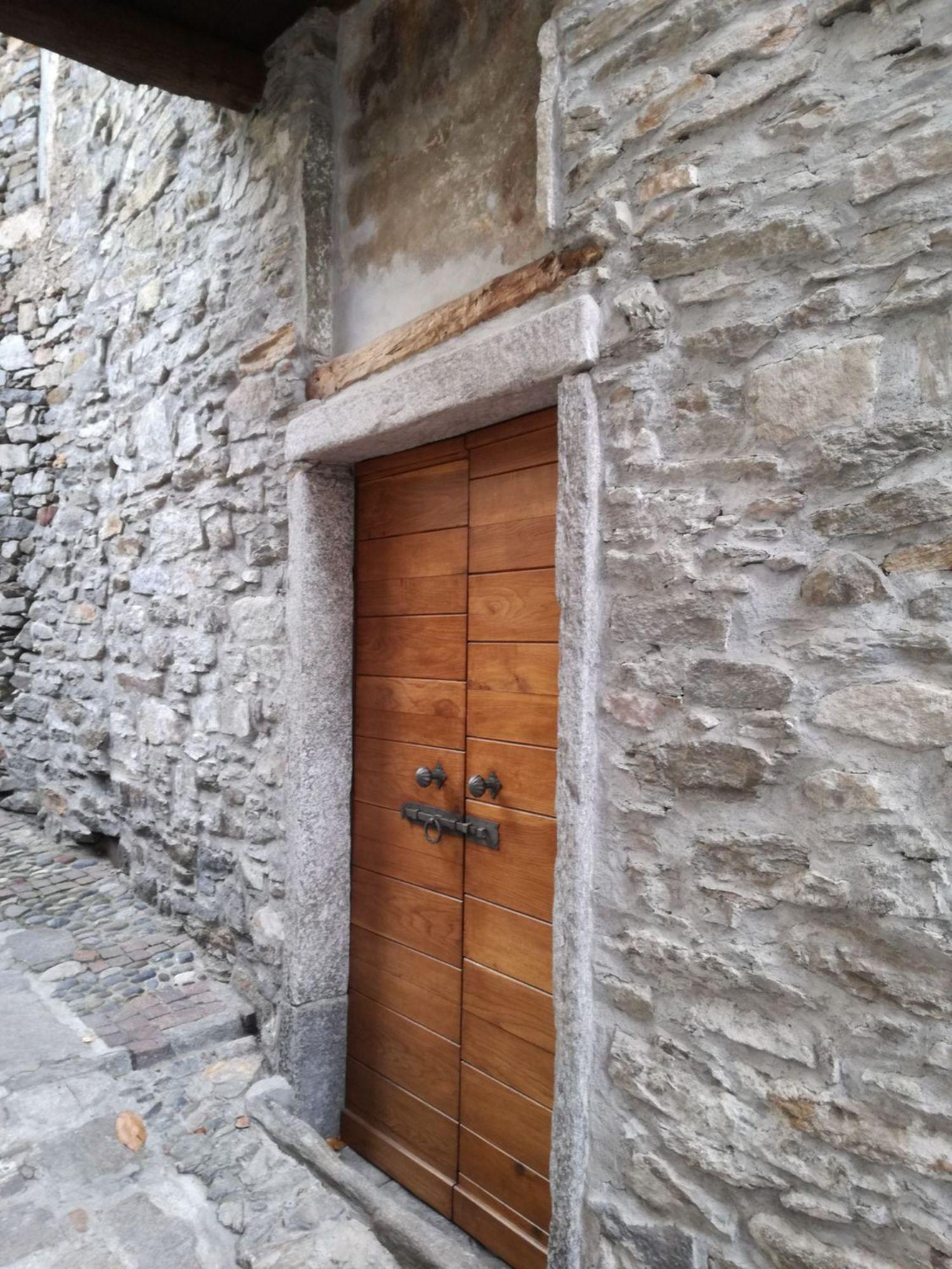 Appartamento in vendita a Cannero Riviera, 6 locali, prezzo € 55.000 | CambioCasa.it
