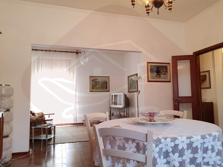 Villa a Schiera in vendita a Firenze, 8 locali, prezzo € 650.000   CambioCasa.it