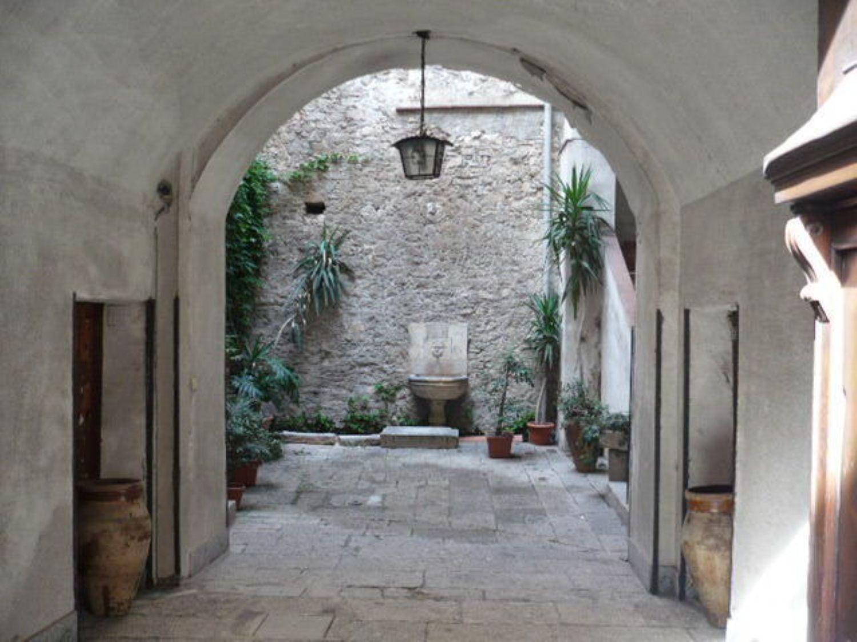 Soluzione Indipendente in vendita a Caccamo, 24 locali, prezzo € 1.800.000 | CambioCasa.it