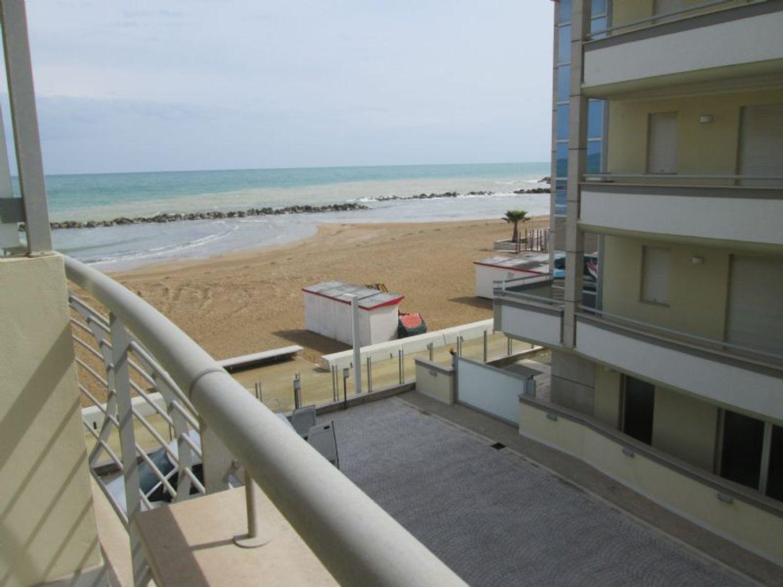 Appartamento in vendita a Francavilla al Mare, 2 locali, prezzo € 220.000 | CambioCasa.it