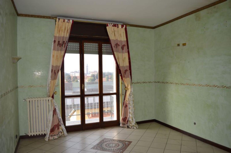 Appartamento in vendita a Castellanza, 3 locali, prezzo € 60.000   CambioCasa.it