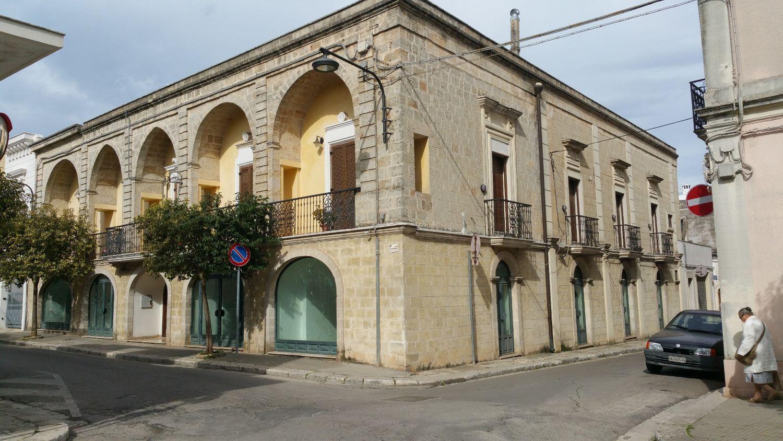 Duplex in vendita a San Vito dei Normanni, 12 locali, prezzo € 950.000 | CambioCasa.it