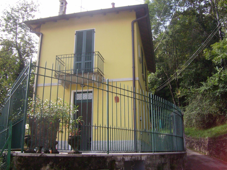 Soluzione Indipendente in vendita a Cassano Valcuvia, 4 locali, prezzo € 135.000 | Cambio Casa.it
