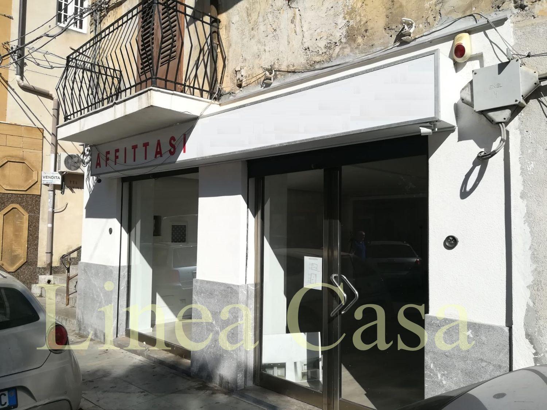 Immobile Commerciale in affitto a Monreale, 9999 locali, prezzo € 1.150 | CambioCasa.it