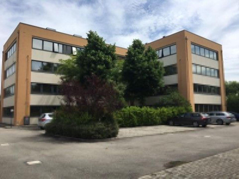 Ufficio / Studio in vendita a Calderara di Reno, 9999 locali, prezzo € 850.000   CambioCasa.it