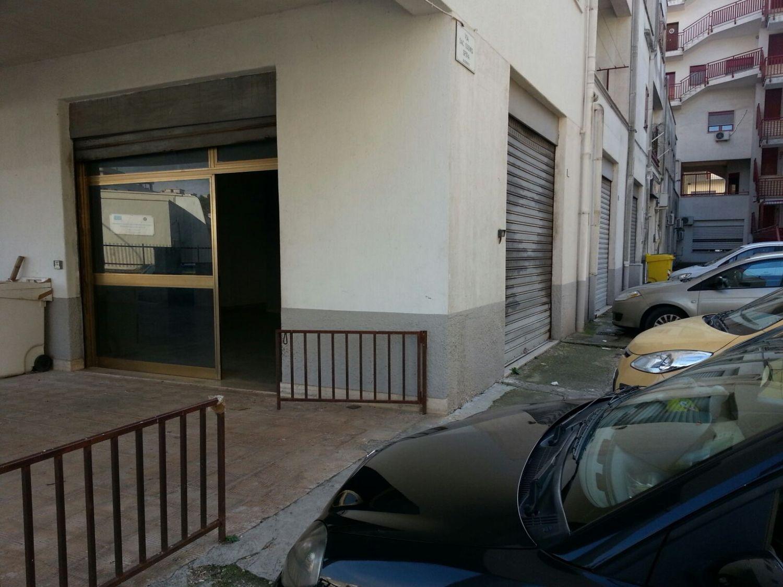 Immobile Commerciale in vendita a Ceglie Messapica, 9999 locali, prezzo € 180.000 | CambioCasa.it