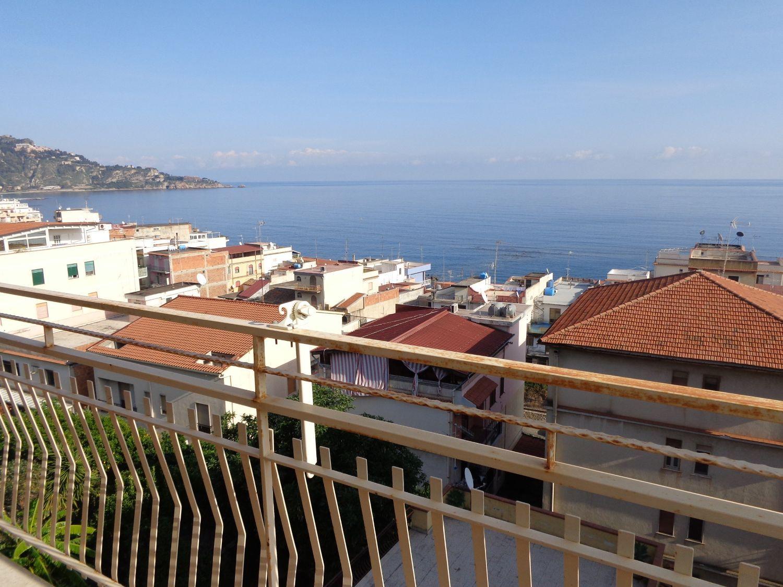 Appartamento in vendita a Giardini-Naxos, 4 locali, prezzo € 246.000 | Cambio Casa.it