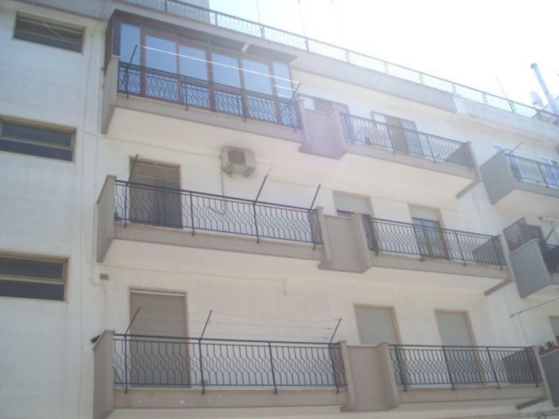 Appartamento in vendita a Ceglie Messapica, 4 locali, prezzo € 140.000 | Cambio Casa.it