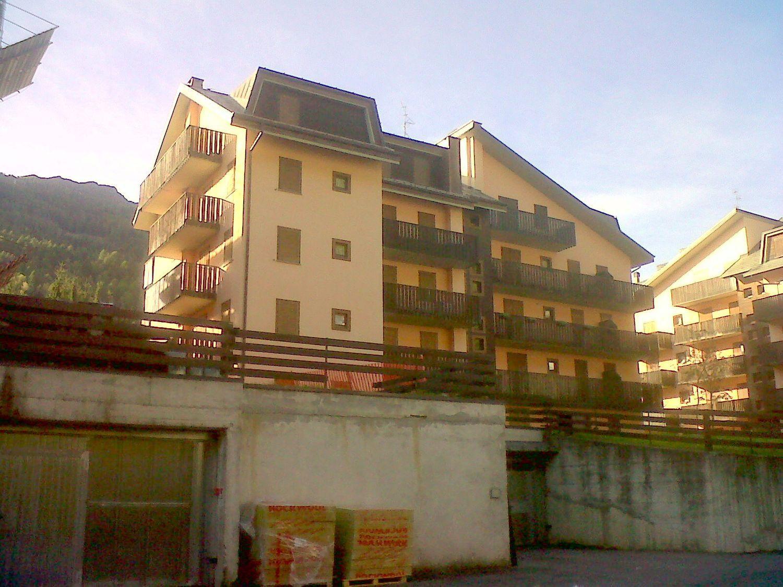 Appartamento in vendita a Corteno Golgi, 2 locali, prezzo € 80.000 | Cambio Casa.it