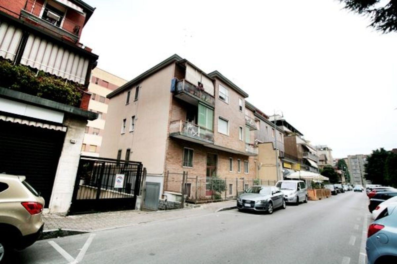 Appartamento in vendita a San Donato Milanese, 4 locali, prezzo € 190.000 | PortaleAgenzieImmobiliari.it