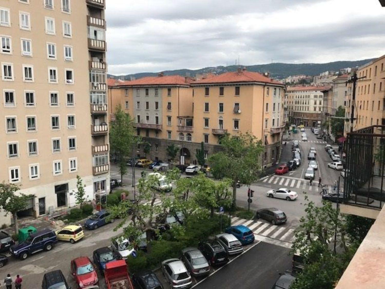 Appartamento in vendita a Trieste, 3 locali, prezzo € 59.500 | CambioCasa.it