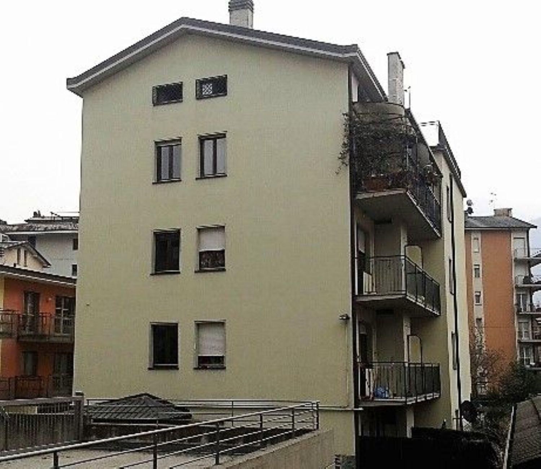 Attico / Mansarda in affitto a Sondrio, 2 locali, prezzo € 400   CambioCasa.it