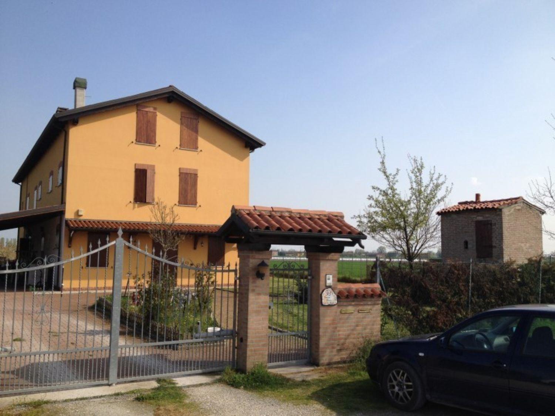 Soluzione Indipendente in vendita a San Giovanni in Persiceto, 7 locali, prezzo € 697.000 | CambioCasa.it