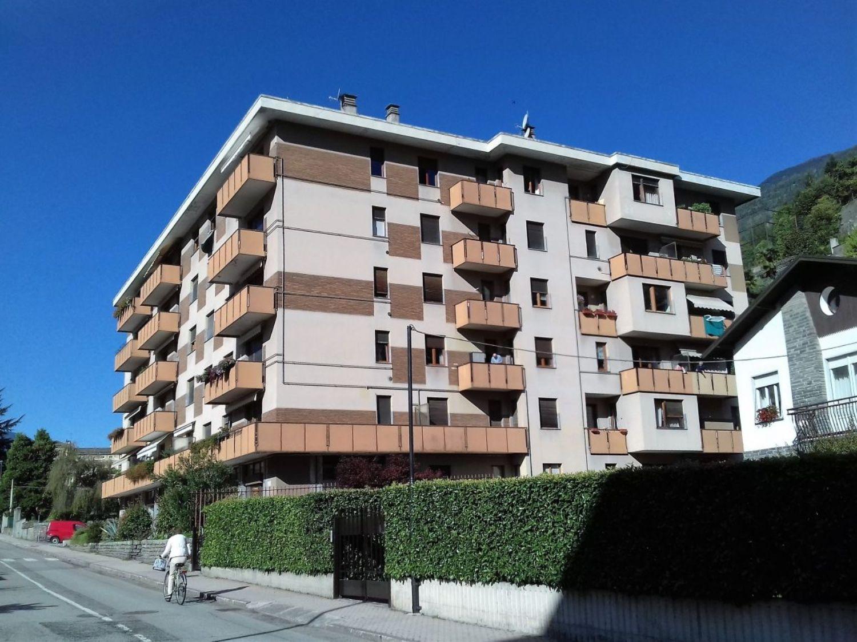Immobile Commerciale in affitto a Sondrio, 9999 locali, prezzo € 300 | PortaleAgenzieImmobiliari.it