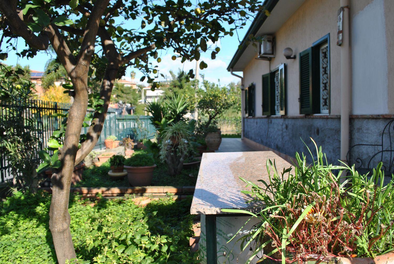 Soluzione Indipendente in vendita a Aci Castello, 5 locali, prezzo € 565.000 | Cambio Casa.it