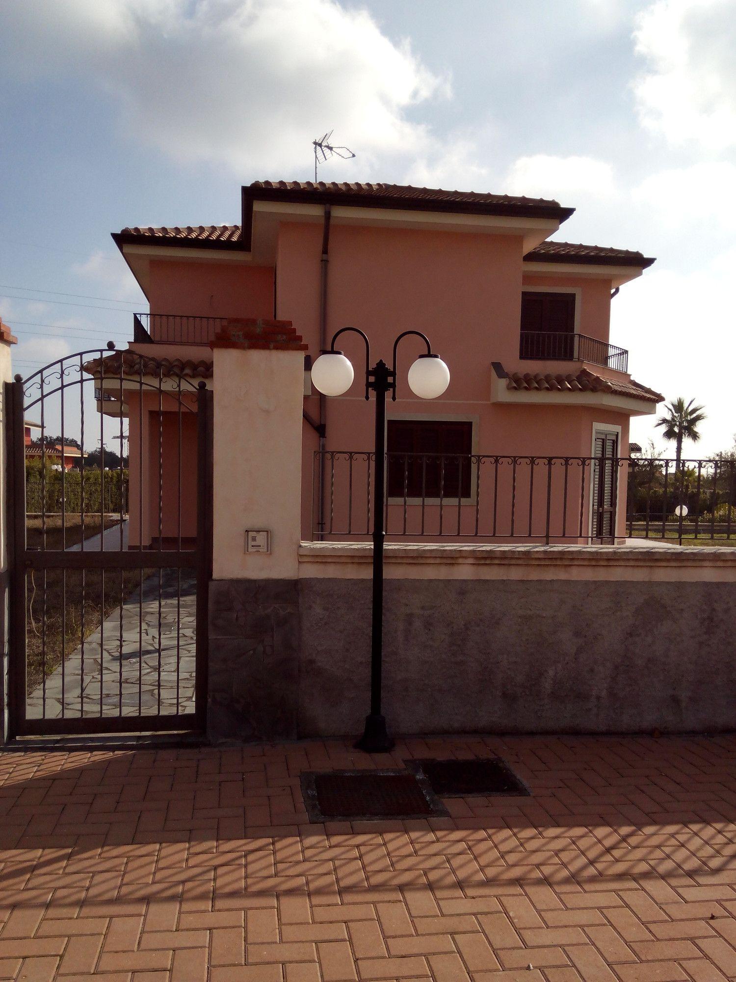 Soluzione Indipendente in vendita a Aci Sant'Antonio, 5 locali, prezzo € 349.000 | Cambio Casa.it
