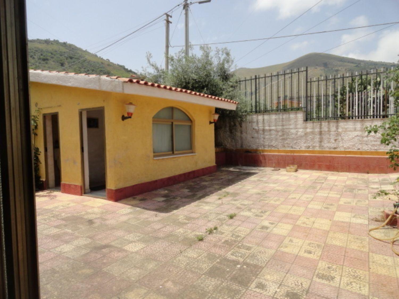 Appartamento in vendita a Belmonte Mezzagno, 4 locali, prezzo € 70.000 | Cambio Casa.it