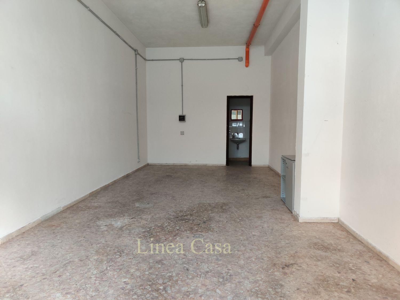 Immobile Commerciale in affitto a Palermo, 9999 locali, prezzo € 350 | CambioCasa.it