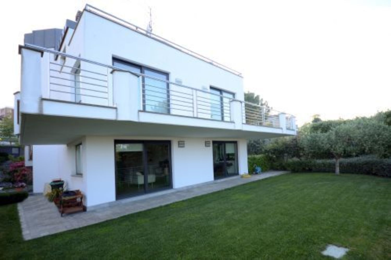 Soluzione Indipendente in vendita a Pescara, 10 locali, prezzo € 1.200.000 | Cambio Casa.it