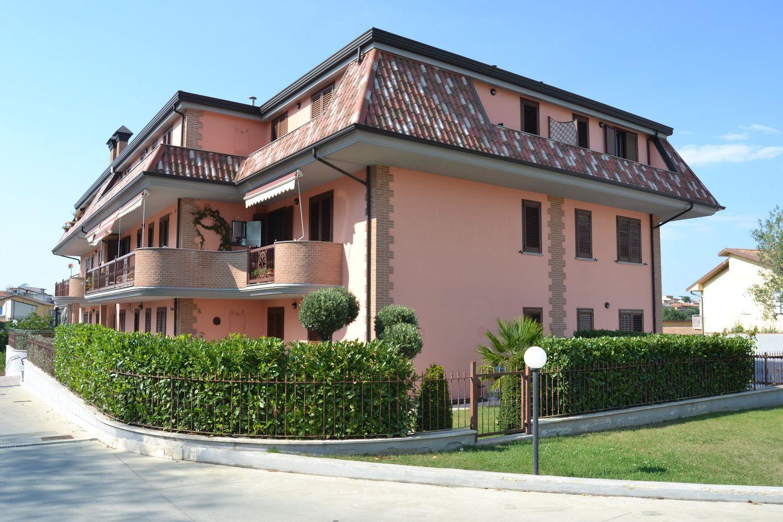Appartamento in affitto a Calvi, 4 locali, prezzo € 450   CambioCasa.it