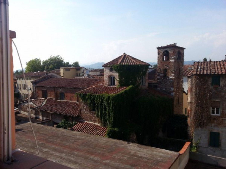 Attico / Mansarda in vendita a Lucca, 6 locali, prezzo € 280.000 | Cambio Casa.it