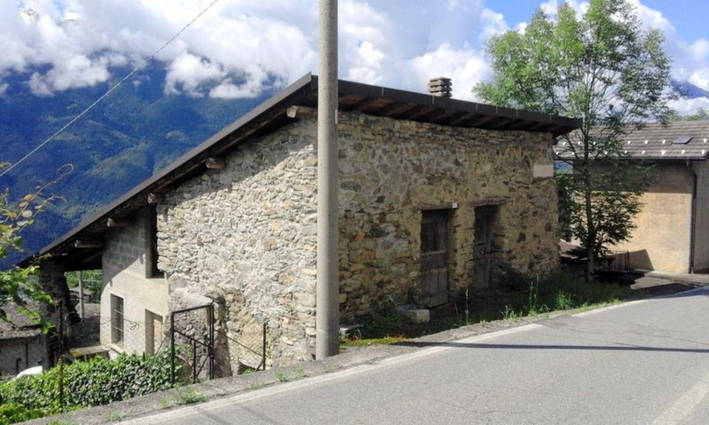 Soluzione Indipendente in vendita a Tresivio, 8 locali, prezzo € 70.000 | Cambio Casa.it