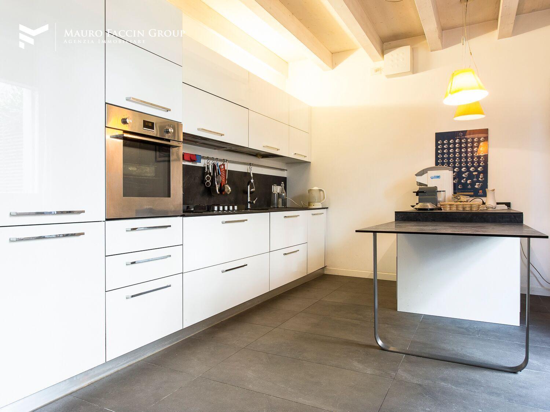 Soluzione Indipendente in vendita a Padova, 2 locali, prezzo € 380.000 | Cambio Casa.it