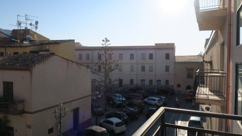 Appartamento in vendita a Santo Stefano di Camastra, 3 locali, prezzo € 110.000 | CambioCasa.it