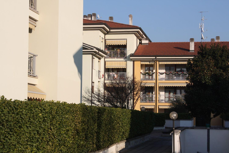Appartamento in vendita a Varedo, 3 locali, prezzo € 189.000 | Cambio Casa.it