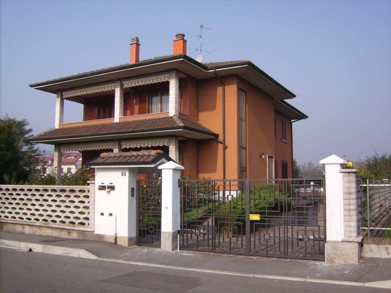 Appartamento in vendita a Masate, 6 locali, prezzo € 299.000 | Cambio Casa.it