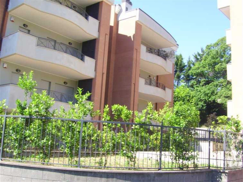 Appartamento in vendita a Velletri, 5 locali, prezzo € 199.000 | Cambio Casa.it
