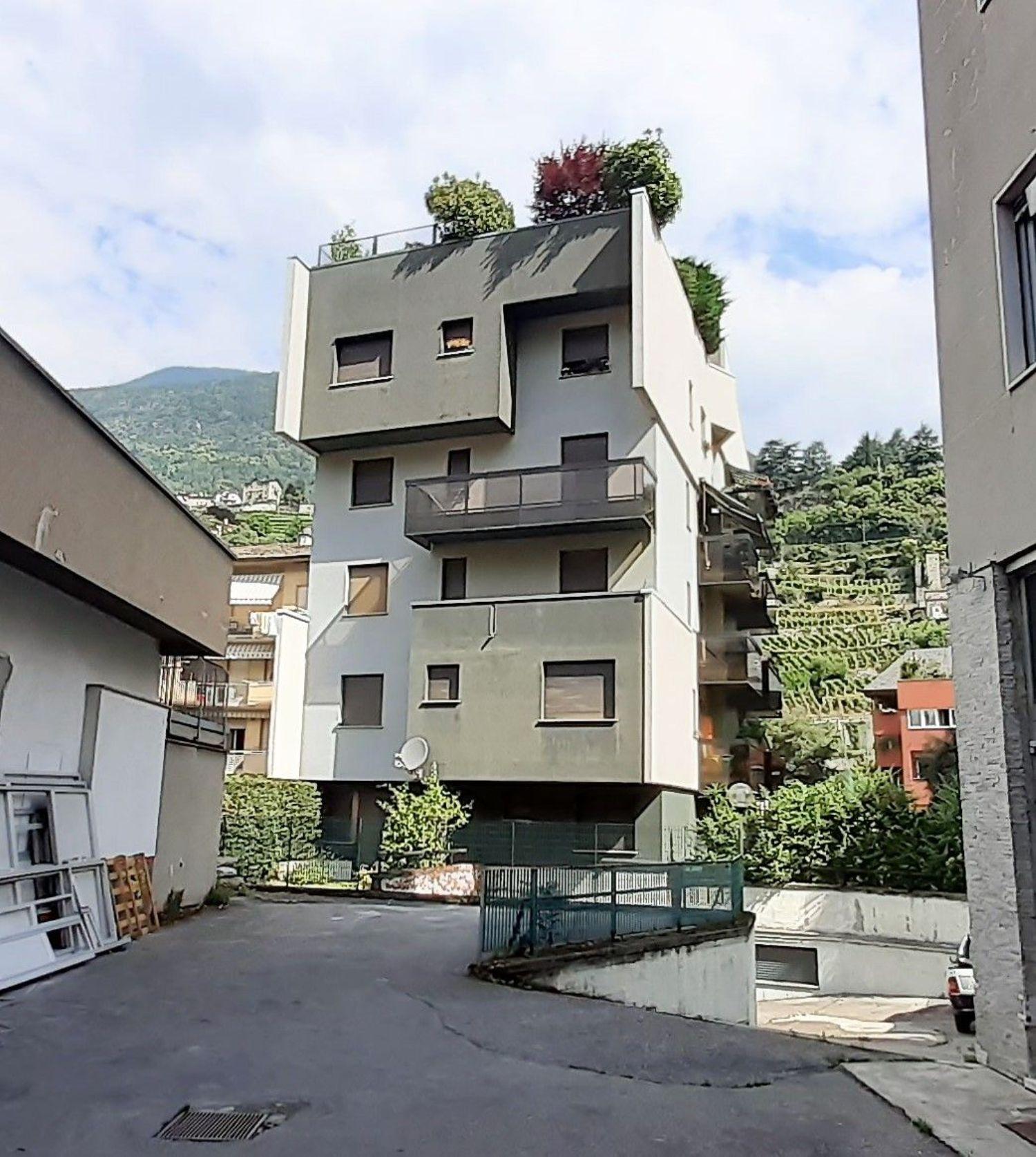 Immobile Commerciale in vendita a Sondrio, 9999 locali, prezzo € 300.000 | PortaleAgenzieImmobiliari.it