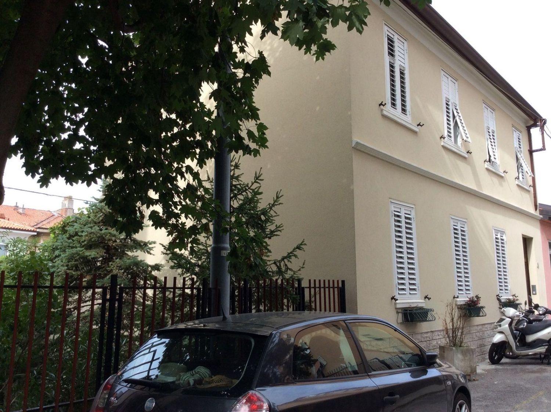 Soluzione Indipendente in vendita a Trieste, 6 locali, prezzo € 375.000 | CambioCasa.it