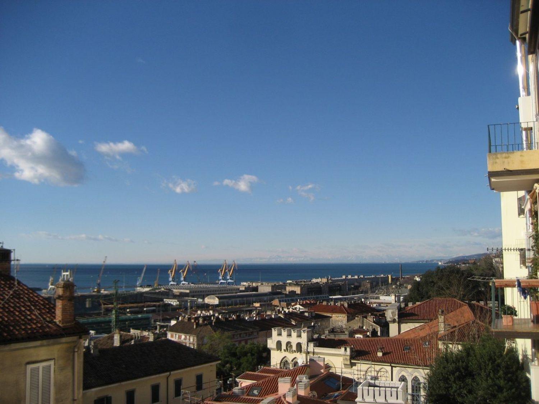 Appartamento in vendita a Trieste, 3 locali, prezzo € 144.000 | Cambio Casa.it