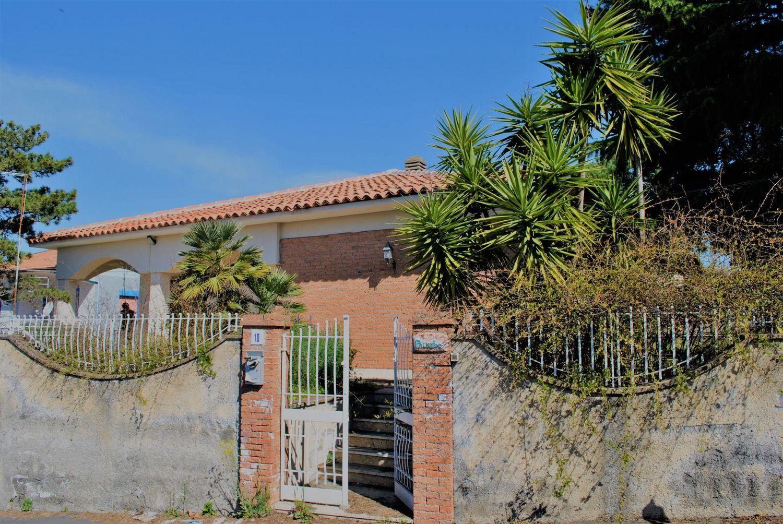 Soluzione Indipendente in affitto a Pedara, 5 locali, prezzo € 700 | Cambio Casa.it