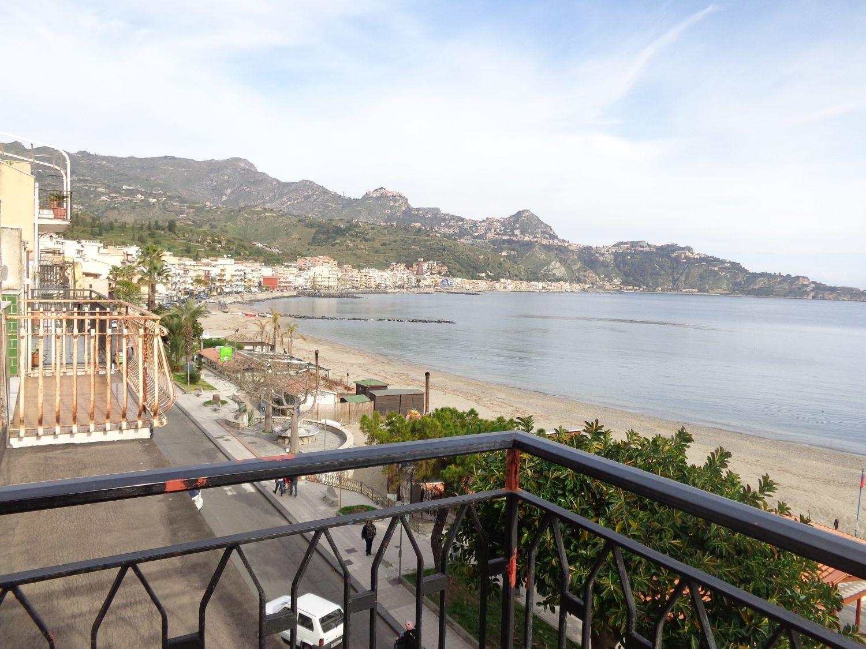 Appartamento in vendita a Giardini-Naxos, 4 locali, prezzo € 250.000 | Cambio Casa.it